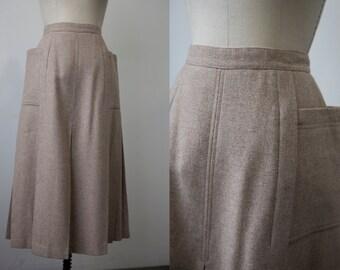 Vintage 70s WOOL Midi Pleated Skirt High Waist Classic Hip Pockets Tan Beige Oat S-M