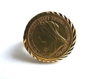 "Vintage Gold Plated Souvenir Coin Ring - Queen Victoria Dei Gra Britt - 3/8"" High - Size 10 1/2"