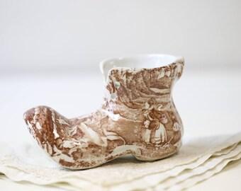 English transferware shoe in brown