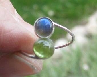 Labradorite and Peridot Sterling Silver Ring Size 6 1/4