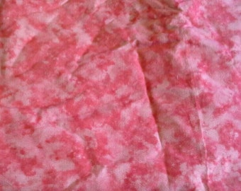 Mottled Pink Quilting Cotton Fabric 1 1/2 Yards X0719