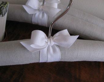 Baby Hangers, Padded Hangers, Gray Linen Hanger, Gray Linen Baby Hangers, Linen Baby Hangers, Nursery Decor,  Baby Shower Gift, Baby Gift