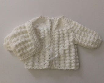 Sweater set color white size 0-3 months