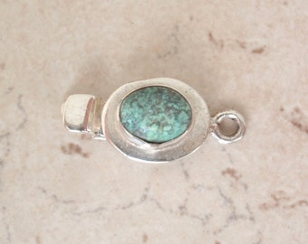 Sterling Silver Box Clasp Oval Shape Turquoise No Trim Single Strand Qty. 1 C045