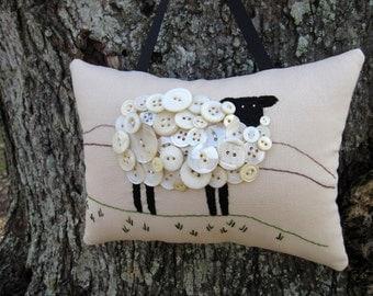 Ireland White Sheep Decoration, Irish Primitive Embroidery, Door Hanger, Pearl Vintage Buttons, St. Patricks Day, Irish Decor, Spring, Ivory