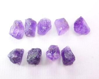 AMETHYST Rough. Grape Jelly. Flat Bottom Rough. Natural. Rough Top, Natural Surface, Flat Bottom. 7 pc. 10 grams 10 - 15mm  (AM1445)