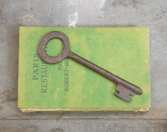 "Vintage Metal Skeleton Key 5 3/8"" Industrial or French Cottage Decor"