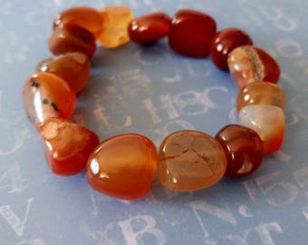 Freeform Red Agate Gemstone Stretch Beaded Bracelet