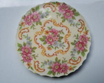 1 Flower Bower Wreath  China Mosaic Focal Tile about 3 1/2""