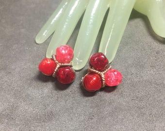 """Vintage 1"""" Goldtone Triple Red Pink Beaded Clip On Earrings"""
