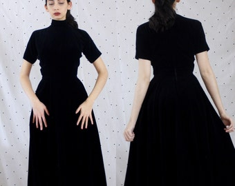 1950s 50s Velvet Mock Collar Pleated Bodice Circle Skirt Dress// Vintage VLV High Collar Pinup 50s Black Dress//50s Black Velvet Small S