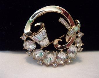 TRIFARI Promenade Pin Vintage Diamante Glass Rhinestone Chaton Gold Plate Brooch
