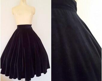 Vintage 1950s Black Velvet Skirt / Toni Owens / Christmas Skirt / Holiday Skirt / Black Tie / XS