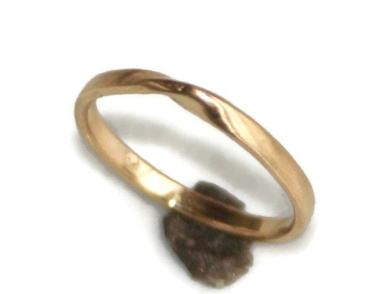 18k Gold Mobius Ring Thin Delicate Dainty Strip