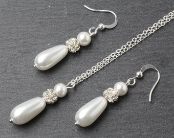 White Pearl Bridesmaid jewelry set, White drop pearl Wedding jewelry set, White bridesmaid earrings and necklace set, Bridal party gift