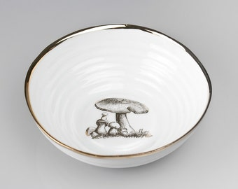 Big Snack bowl gold rimmed with tree cone, Fruit bowl