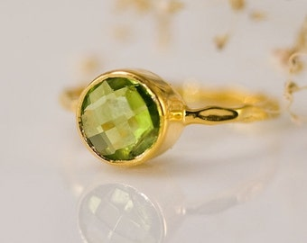 SALE - Green Peridot Ring Gold - August Birthstone Ring - Solitaire Ring - Round Peridot Bezel Ring - Gemstone Ring- Gold Ring