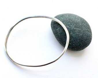 Organic Shape Oval Silver Bangle - Henry Moore inspired bracelet - Hand forged bangle - 21.5 cm circumference - Mother's Day Gift