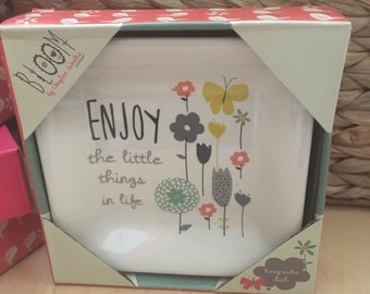 enjoy the LITTLE THINGS - trinket dish perfect for jewelry in a gift-ready box