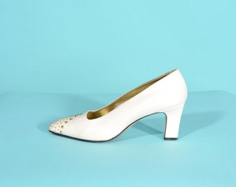 Vintage 1990s Escada Studded Shoes - Cream Leather Gold - Bridal Fashions Size 7