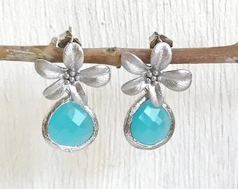 SALE - Turquoise Flower Post Earrings in Silver. Blue Bridesmaid Earrings. Drop Earrings. Fashion Earrings.
