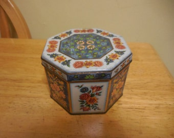 Vintage Octagonal Tin 1960s to 1970s Small Floral Blue/Peach/Green Gold Tone Daher Made in England