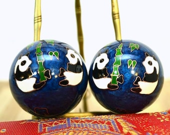 Vintage Pair of Chinese Balls Baoding Iron Energy Stress Cloisonne Panda Balls Ming Dynasty Jingluo Instructions Relaxing Fitness Chimes