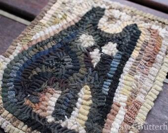 Primitive Folk Art Hooked Rug Old Cat rug ~ Early Style