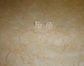 vintage clip on earrings whhite enamel metal hoops lattice work