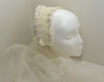 Off White Veil with Hat --  1940's