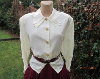 Womens Buttoned Blouse / Blouse Vintage / Big Size Blouse / Women Blouse Cream / White Buttoned Blouse / Size EUR 46 / 48 / UK18 / 20