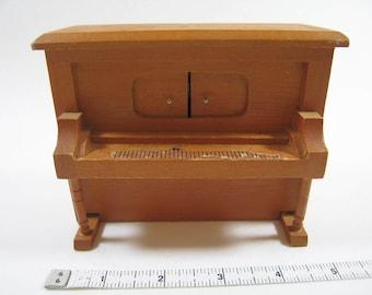Miniature Player Piano Music Box  // 1:12