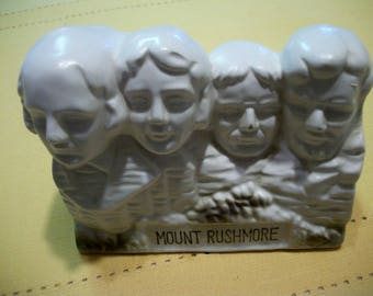 Mount Rushmore penny bank, vintage souvenir. Made in Japan