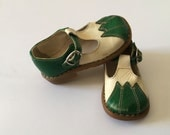 1960's Green Italian Leather T-strap Toddler Shoes (5 Toddler)