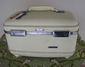 American Tourister Vintage Tri-Taper Tain Case Suitcase ~ Ivory Color