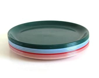 Rubbermaid Dinner Plates 3840 Plastic Dishes Mauve Pink Slate Light Blue Red Green Melamine