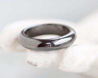 Hematite Ring - Natural Wedding Band in Dark Silver - Size 6.5