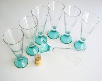 Vintage Champagne Glasses, Flute, Luminarc, Turquoise Base, Cone Base, Pyramid Base, France, French, Clear and Turquoise, Aqua, Teal, Rare
