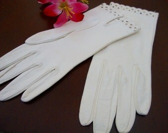 White Leather Gloves Vintage Ladies Gloves Soft