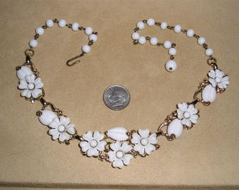 Vintage White Plastic Flowers Necklace Choker With Glass Beads 1950's Jewelry 140