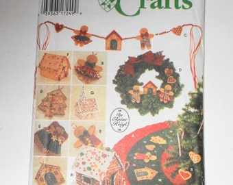 Vintage Simplicity Crafts Gingerbread No Sew Tree Topper, Ornaments, Tree Skirt, Wreath, Swag, House And Church UNCUT Pattern Number 9768