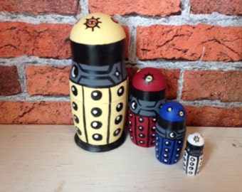 doctor who Paradigm new style robots four piece hand painted nesting dolls