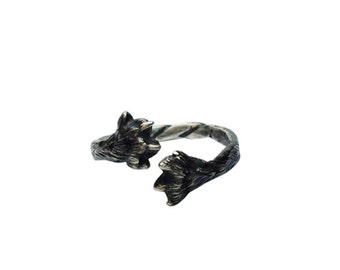 Paws Ring / Sterling silver / Black patina