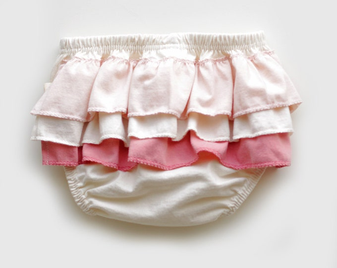 Ruffled Diaper Cover in Coral and Peach // Organic Diaper Cover // Coral and Peach Ruffled Diaper Cover // Organic Bloomers // Baby Bloomers