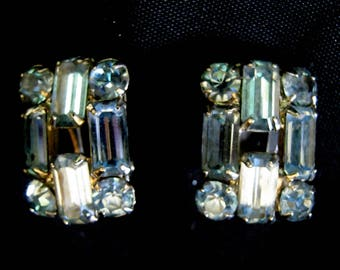 Vintage Faux Blue SAPPHIRE Faceted RHINESTONE Clip Back EARRINGS