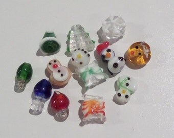 14CT. Glass Lampwork Christmas Beads all different 12mm (K30)