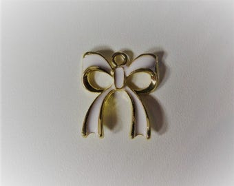 19mm*17mm 2CT. Gold Toned and White Bow Charm, Enamel Charm, Y61