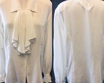 Retro 1980 white polyester ruffled detail button large size 12