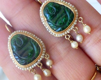Vintage 14k Carved Emerald colored jade and seed pearl dangle earrings