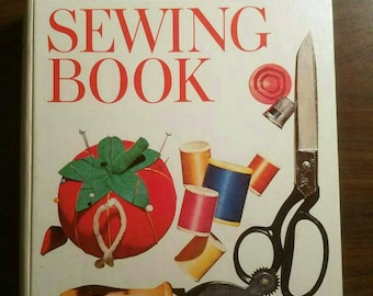 Better Homes and Gardens sewing book.1974